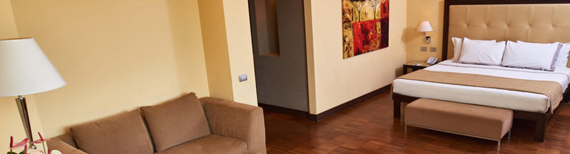 Vue de l'hotel Hotel Cruise 4* à Montano Lucino