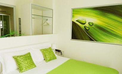 Des Chambres Originales et Modernes à l'hôtel Avenue Hotel 4*