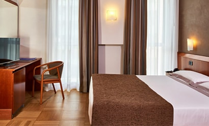 Des Chambres Modernes et Spacieuses à l'hôtel Hotel Como 4*