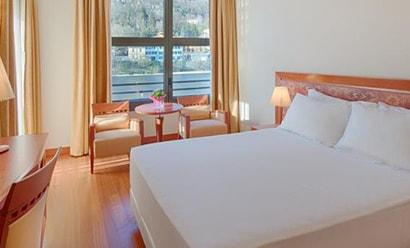 Des Chambres au Confort Optimal à l'hôtel Hotel NH Lecco Pontevecchio 4*