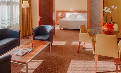 Des Suites aux Vues Panoramiques à l'hôtel Hotel NH Lecco Pontevecchio 4*