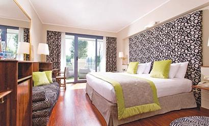 Des Chambres Raffinées à l'hôtel Sheraton Lake Como 4*